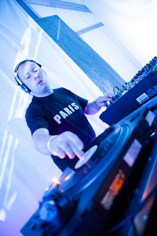 NEU: Vinyl Rotation – DJ Gibson Praise on Air bei Sunray-FM