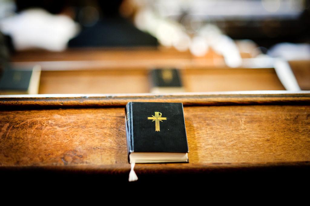 Dieb bedient sich in Kirche